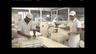 Preço do trigo e do leite sobe e produtos de padaria tem reajuste - Preço do trigo aumentou em média 35% no Vale do Aço.