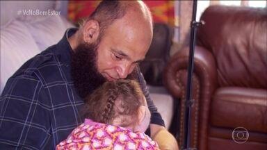 Conheça o pai adotivo que só cuida de crianças com problemas incuráveis - Ele já perdeu 12 filhos adotivos. Veja a história inspiradora.