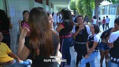 Projeto estimula ação social de alunos de escola com a comunidade - Saiba mais em g1.com.br/ce