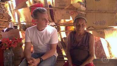 Caldeirão se junta a ONG Amigos de Minas para distribuir cestas-básicas - Luciano Huck conhece a história dos voluntários por trás do projeto social