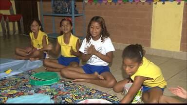 Projeto 'Casa dos Sonhos' oferece aulas gratuitas para crianças na Paraíba - O projeto é desenvolvido pela associação no municípios de Santa Rita. Eles recebem doações do projeto criança esperança.