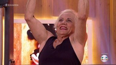 Vídeo de Dona Geralda movimentou as redes sociais - Aos 69 anos, Dona Geralda impressiona na malhação