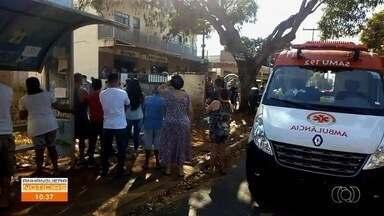 Arrastão em ponto de ônibus deixa homem ferido em Goiânia - Ele foi levado ao hospital.