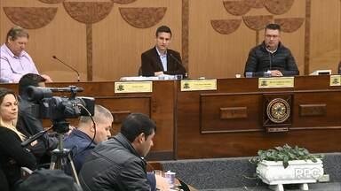 Vereadores de Araucária podem ter os mandados cassados nesta quarta-feira (15) - Eles foram presos em abril acusados de receber propina de empresas com contratos com a prefeitura.