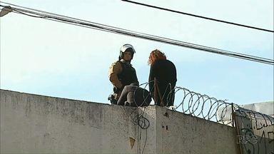 Presos de Ibaiti fazem rebelião - A rebelião começou terça-feira (14) à noite depois que os presos renderam um agente carcerário.