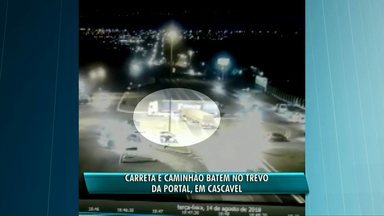 Acidente entre carretas é registrado no Trevo da Portal - A batida foi registrada por câmeras de segurança.