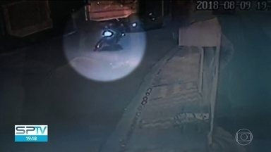 Homem é preso suspeito de matar estudante por causa de um celular - Crime foi em Santo André, na semana passada. Testemunhas reconheceram o homem preso hoje e ajudaram na identificação de outro criminoso, que está foragido.