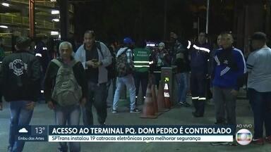 Acesso ao terminal Parque Dom Pedro passa a ser controlado - SPTrans instalou 19 catracas eletrônicas para melhorar a segurança.