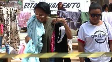 """Grupo promove """"feira"""" solidária para moradores de rua no Centro de Teresina - Grupo promove """"feira"""" solidária para moradores de rua no Centro de Teresina"""