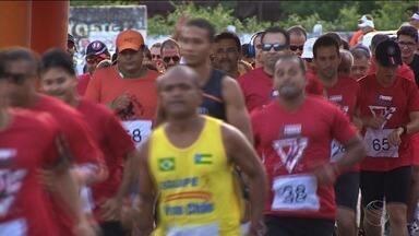 Corrida de rua aconteceu movimentou Aracaju neste sábado - Esporte e solidariedade se misturaram em uma corrida promovida pela Igreja Quadrangular.