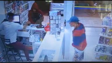 Bandidos roubam farmácia em Planaltina - As imagens do assalto foram parar na Internet. Segundo a polícia, uma pessoa reconheceu um dos bandidos e fez a denúncia. O assaltante de 18 anos foi preso no setor Mestre D'armas e o comparsa dele continua foragido.
