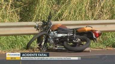Motociclista morre em acidente na Rodovia Anhanguera em Ribeirão Preto - Suspeita é que a vítima tenha sido atingida por um motorista que fugiu do local.