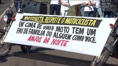 Protesto na BR-369 - Amigos e familiares de motociclista morto fazem manifestação.