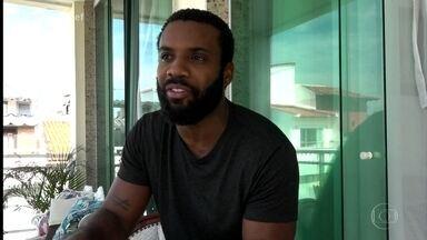 'SuperChef Celebridades': Rafael Zulu conta que adora carne de porco - Ator diz que o melhor lugar de sua casa é a cozinha