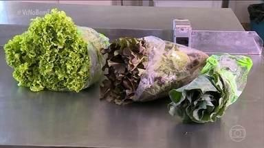 Saladas higienizadas nem sempre estão limpas - Pesquisadores de várias partes do Brasil fizeram análise em vários desses produtos e descobriram que muitos deles estão contaminados.