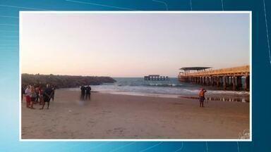 Estudante morre após pular de antiga Ponte Metálica e se afogar, na Praia de Iracema - Saiba mais em g1.com.br/ce
