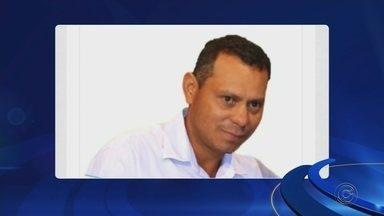 Vereador é morto por enteado após discutir com a esposa no interior de SP - O vereador Júlio César Rondão (PSD), de União Paulista (SP), foi morto com um golpe de facão pelo enteado, de 17 anos, neste domingo (19).