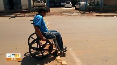 Problemas na estruturação do trânsito em Araguaína atrapalham cadeirantes - Problemas na estruturação do trânsito em Araguaína atrapalham cadeirantes