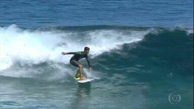 Brasileiros brilham pelo mundo no vôlei de praia, surfe e tênis - Brasileiros brilham pelo mundo no vôlei de praia, surfe e tênis