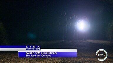 #MeuBairronoLink - Onde você mora tem iluminação? Um bairro em São José não tem.