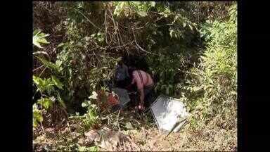 Corpo de mulher natural de Comercinho é encontrado sem roupas - Vítima pode ter sofrido estupro antes de ser morta.