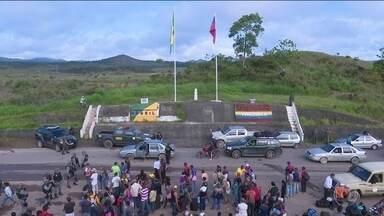 Governo de Roraima pede ao Supremo suspensão de entrada de venezuelanos - Fim de semana foi de violência, brasileiros atacaram acampamento de refugiados em Pacaraima após assalto e agressão a comerciante.