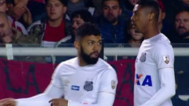 Santos joga pela Libertadores - Time brasileiro enfrentou time argentino.