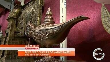 Feira em São José reúne artesanato de 16 países - São 60 expositores que participam do evento.
