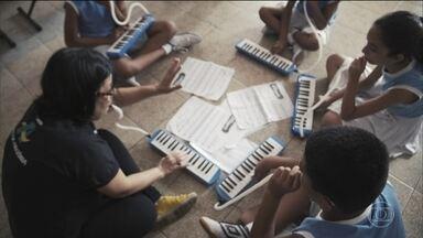 Para quem nasceu sem audição, ter esperança é poder se comunicar - Conheça mais um projeto do Criança Esperança.