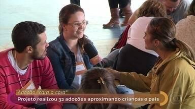 ONG promove evento para fomentar a adoção de crianças e adolescentes - Projeto estimula amor à primeira vista ao apresentar adultos a crianças e adolescentes em busca de adoção. Fátima conversa com Ana Lúcia e Renato, que adotaram uma filha no evento do ano passado