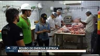 Cinco empresários são presos suspeitos de roubo de energia - Operação da Celpe e da polícia fiscalizou seis empresas