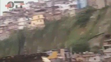 RJ1 - Íntegra 22/08/2018 - O telejornal, apresentado por Mariana Gross, exibe as principais notícias do Rio, com prestação de serviço e previsão do tempo.
