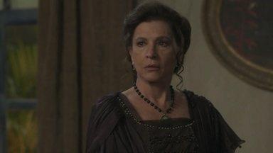 Elisabeta leva Lady Margareth para um hotel barato - Ela avisa que a tia de Darcy ficará no local e terá que se acostumar