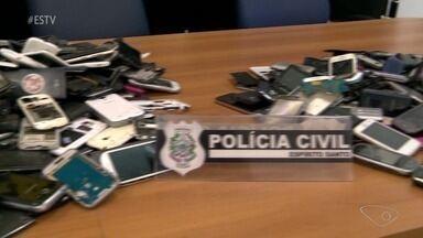Polícia já identificou acusados de comprar produtos roubados de lojas arrombadas no ES - Nesta quarta-feira (22), durante uma operação, os policiais recolheram produtos sem nota fiscal no comércio em Vila Velha e Cariacica.