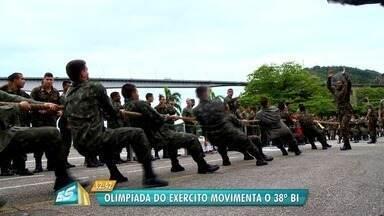 Olimpíada do Exército movimenta o 38º Batalhão em Vila Velha, ES - Cabo de guerra é coisa séria na disputa.