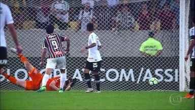 Corinthians perde para o Fluminense e chega a quatro jogos sem vitória - Corinthians perde para o Fluminense e chega a quatro jogos sem vitória