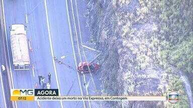 Uma pessoa morre em acidente na Via Expressa, em Contagem - Um carro bateu em um poste na altura do bairro Petrolândia.