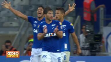 Cruzeiro elimina o Flamengo nas oitavas de final da Libertadores - Raposa perde para o rubro-negro por um a zero, mas se classifica. Corinthians é eliminado pelo Colo-Colo.