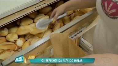 Alta do dólar afeta o bolso da população de Cachoeiro de Itapemirim, ES - Os impactos já aparecerem nos preços dos produtos do dia a dia.
