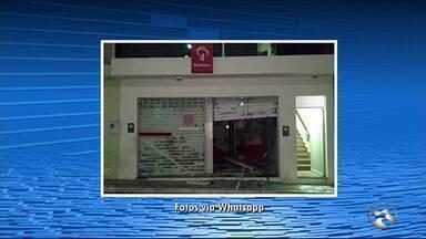 Criminosos explodem postos de atendimento bancário em Alagoinha e Ibirajuba - Em Alagoinha, bandidos furtaram um caixa eletrônico.