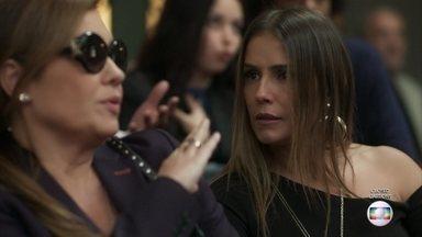 Laureta vai embora do julgamento de Luzia - Karola fica para ver o final do julgamento