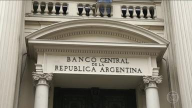 Peso argentino despenca 16% um dia depois de Macri anunciar novo acordo com o FMI - Taxa de juro, que já era a maior do mundo, subiu ainda mais