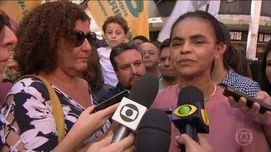 Marina Silva passa a manhã de sábado (1) na Baixada Fluminense - Marina Silva (Rede) caminhou no calçadão de Nova Iguaçu. A candidata cumprimentou eleitores, tirou selfies com simpatizantes e conversou com os comerciantes. Ela falou sobre suas propostas para o saneamento básico.
