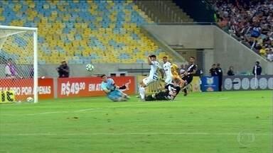 Gabigol marca três vezes e Santos vence o Vasco no Maracanã - Gabigol marca três vezes e Santos vence o Vasco no Maracanã.