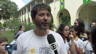 Estudantes do Recife acompanham palestra do Sr. Gentileza - Luiz Gabriel Tiago foi indicado para o Prêmio Nobel da Paz