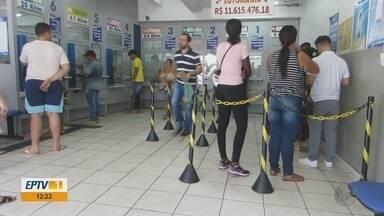 Bolão feito em casa lotérica de Passos acerta dezenas da Mega Sena e leva R$ 22 milhões - Bolão feito em casa lotérica de Passos acerta dezenas da Mega Sena e leva R$ 22 milhões
