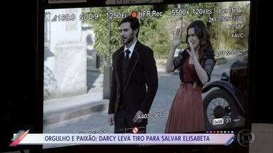 Confira os bastidores do atentado do falso Motoqueiro a Darcy e Elisabeta - O personagem de Thiago Lacerda acabou sendo esfaqueado em plano arquitetado por Xavier na novela 'Orgulho e Paixão'