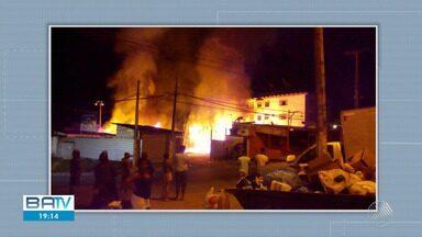Destaques do dia: incêndios assustam moradores dos bairros Cajazeiras, Barra e São Caetano - Fogo atingiu um galpão de madeira, um apartamento e uma loja de colchões.