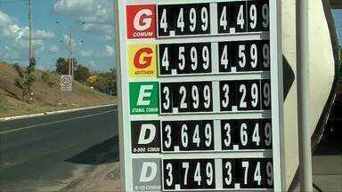 Motoristas e donos de postos se queixam de preço oscilane dos combustiveis - Motoristas e donos de postos se queixam de preço oscilane dos combustiveis