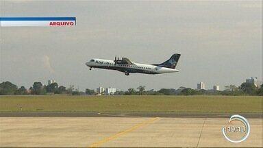 Aeroporto de São José volta a receber voos comerciais - Rumo do aeroporto, no entanto, ainda é dúvida para cidade.